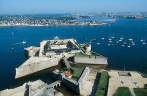 Les fortifications abritent deux musées : le musée de la Marine et le Musée de la Compagnie des Indes.